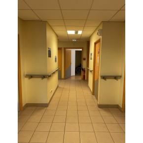 Couloir équipé d'un sas de confinement