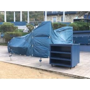 Mobilier d'extérieur protégé par des bâches en PE , solution hyper économique