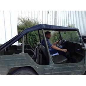 Bâche plate pour arrière de jeep