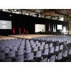 sièges coques au sol pour conférence